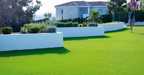 How to Maintain Artificial Grass Lawn